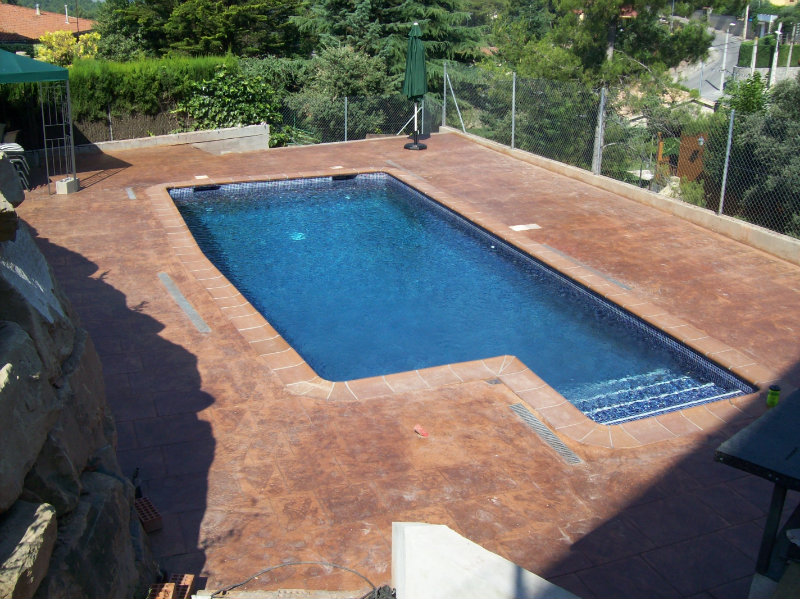 Precio de piscinas de obra simple piscinas blazquez for Piscina ripollet